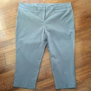 NWT Lane Bryant Sz 24 Grey striped Capri Pants